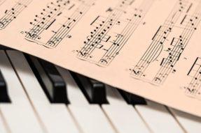 学唱梵呗妙难言